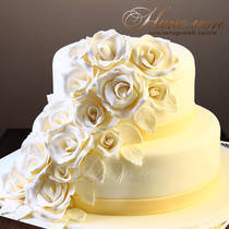 Свадебный торт с цветами № 328 С