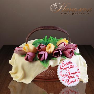 Фото торта с тюльпанами